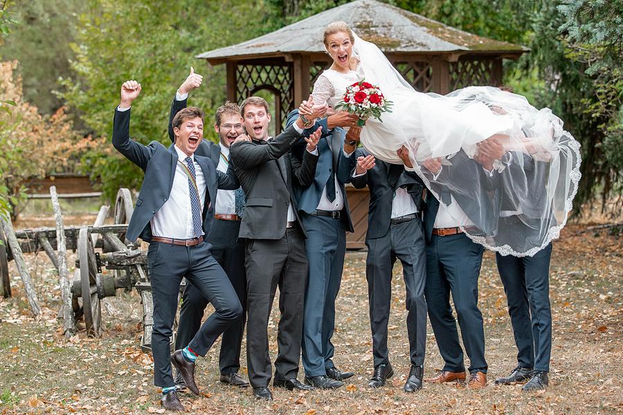 Braut hochleben lassen